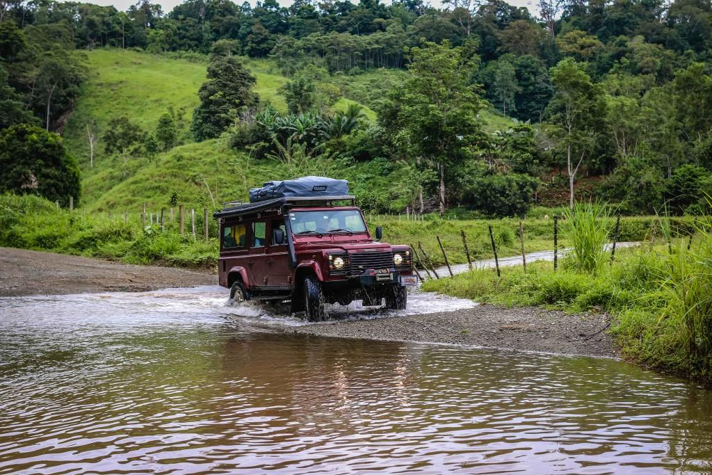 Drive through the jungles in your extreme wheels