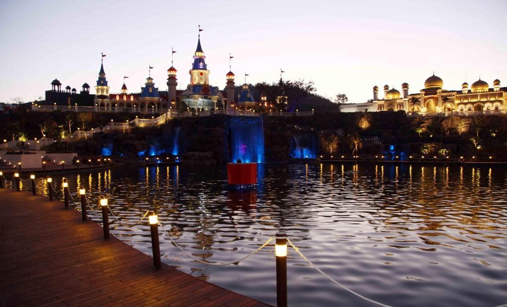 Imagica Lagoon evening view