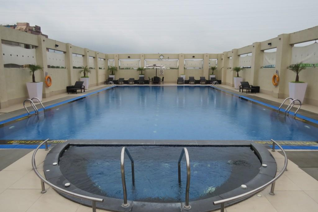 Swimming Pool at HGI - Take a dip before you dig into your Sunday brunch