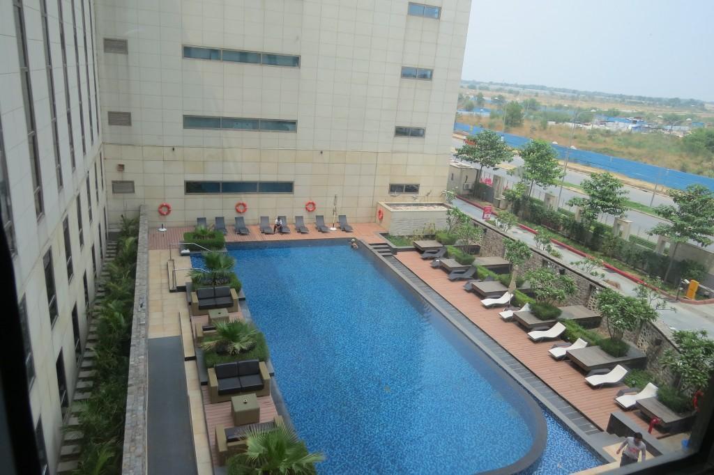 swimming pool at ibis