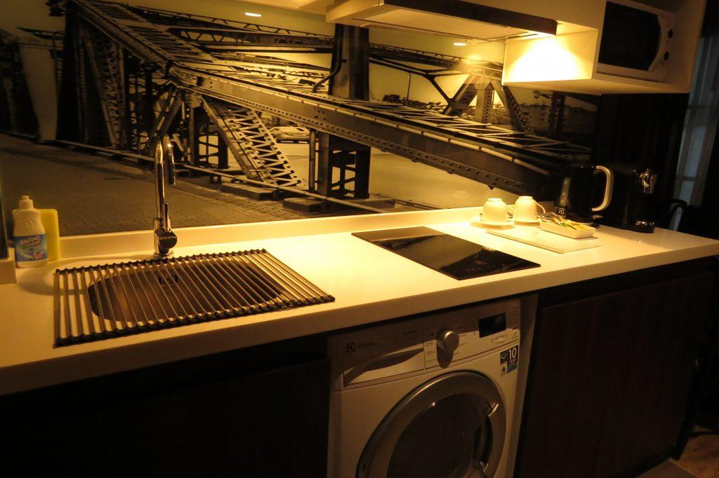 Fully equipped kitchenette in Studios
