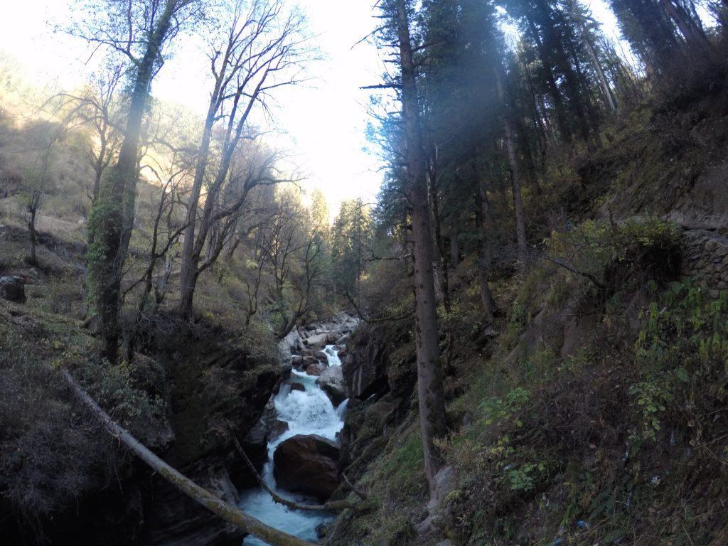 Amazing valley views everywhere - Right from Bhuntar upto Kheerganga!!!
