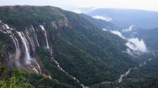 Noh-Sngithiang Falls