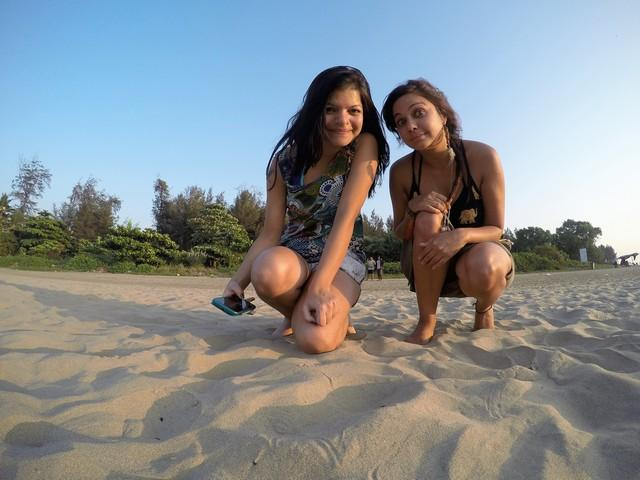 At the beach with Sonal @DrifterPlanet