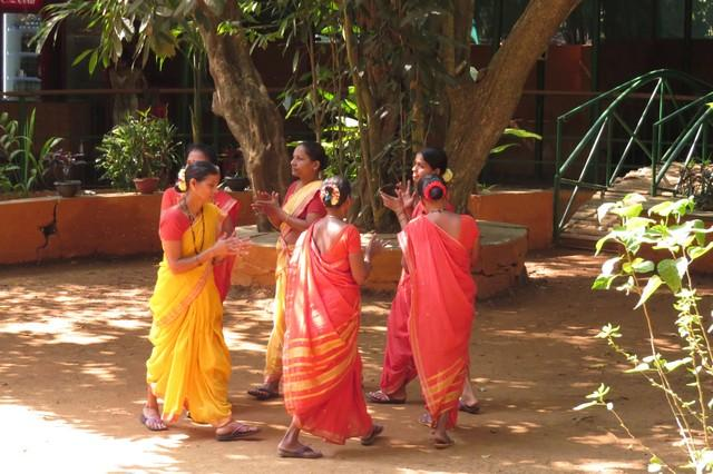 Folk dance at Sahakari spice farm