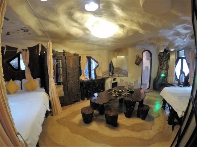 Rooms at the crazy house