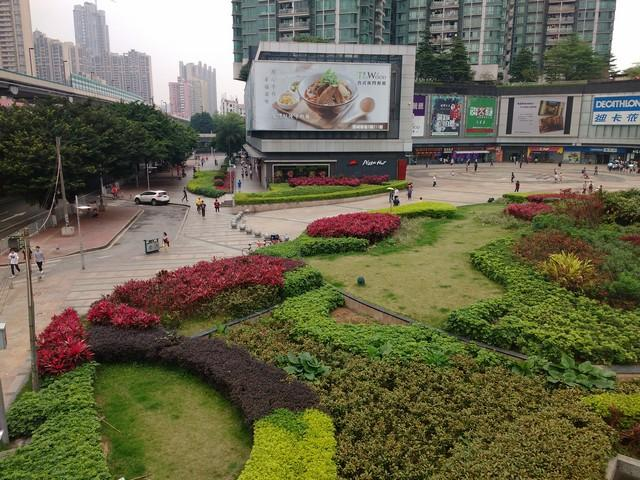 Huge malls with impeccable landscaping