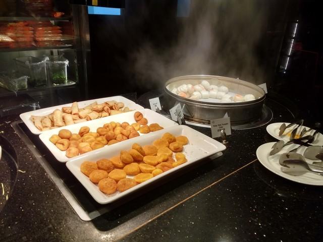 buffet breakfast renaissance